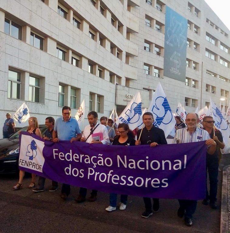 Plenário Nacional de Professores e Educadores aprova próximas ações de luta