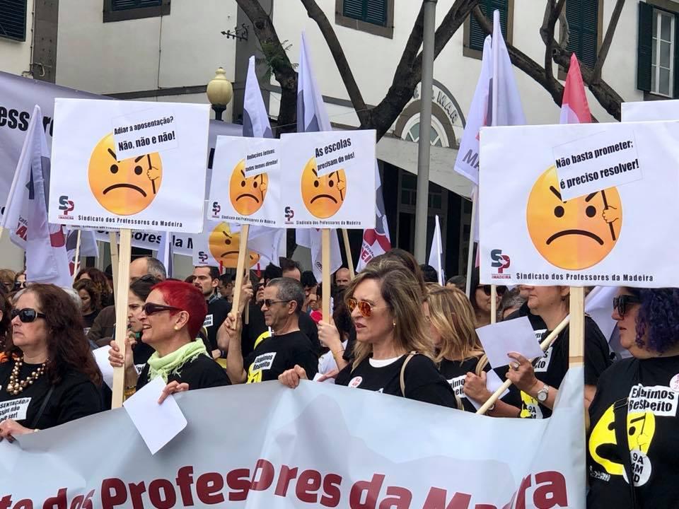 MANIFESTAÇÃO NACIONAL DOS PROFESSORES E EDUCADORES